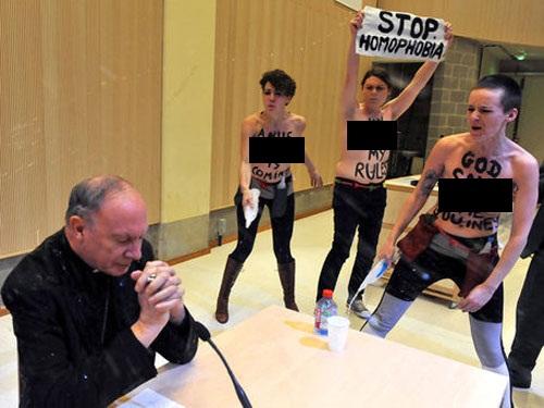 Gostujoče pero: Zakaj ženska emancipacija ni združljiva s katolištvom?