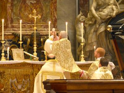 Pontifikalna maša klasične rimske oblike v baziliki sv. Petra